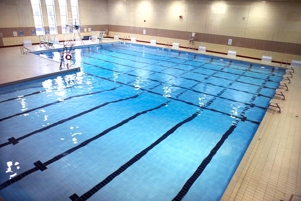 Natation et programme sportif centre sportif coll ge laval for College montmorency piscine